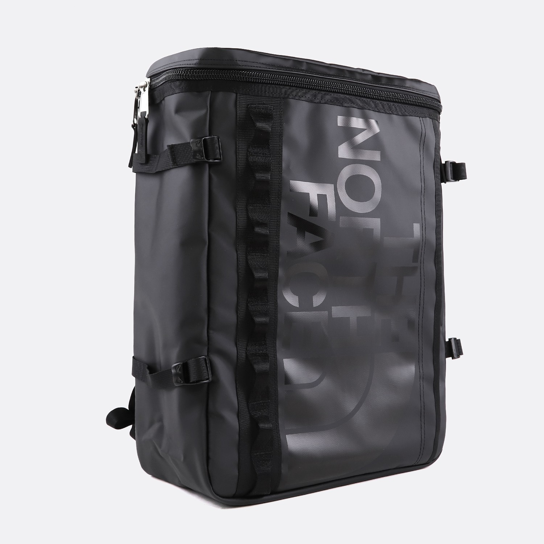 BASE CAMP FUSE BOX TNF BLACK. 130 €