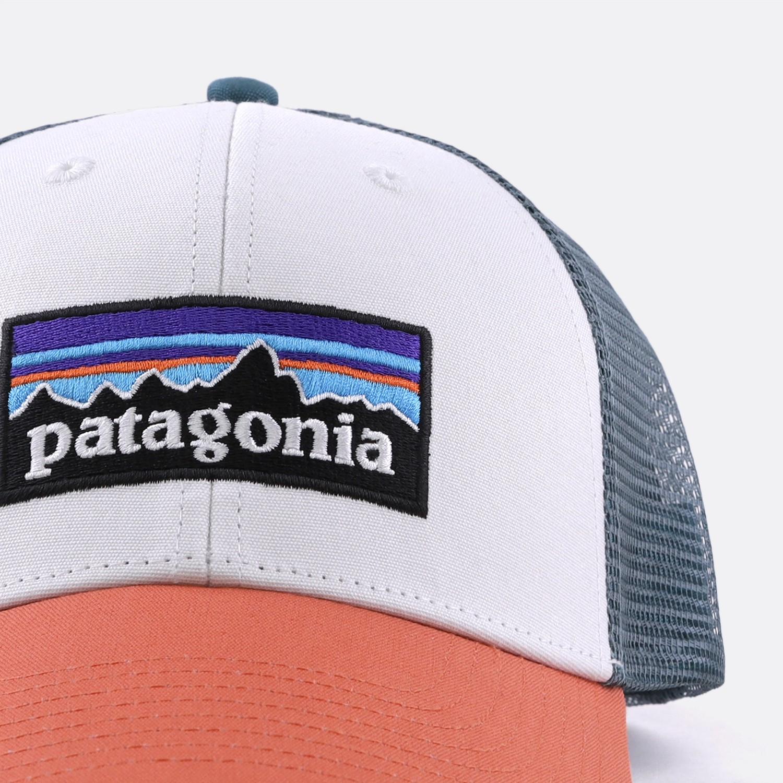 941e4317d5968 PATAGONIA  . P-6 TRUCKER HAT WHITE   SUNSET ORANGE. 30 €